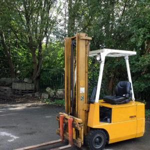 Chariot élévateur électrique d'occasion TCM 15